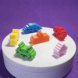 Fichas Space invaders impreso en 3d para jugar a la oca, parchis monopoly