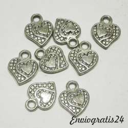 9 colgantes corazones...